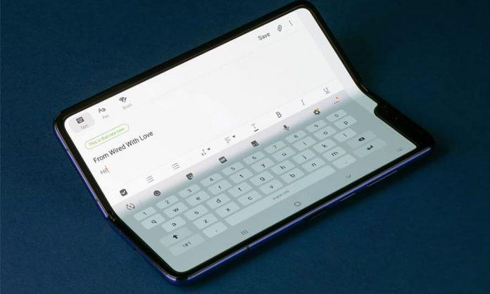 Viitorul telefoanelor pliabile